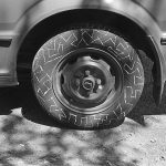 A drawing on the tire (A drawing in a photograph), 1984, Chalk (Photograph)